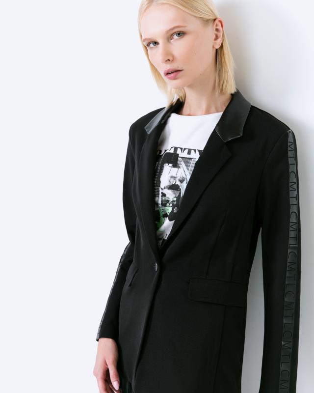 Куртка, р. 44, цвет черный