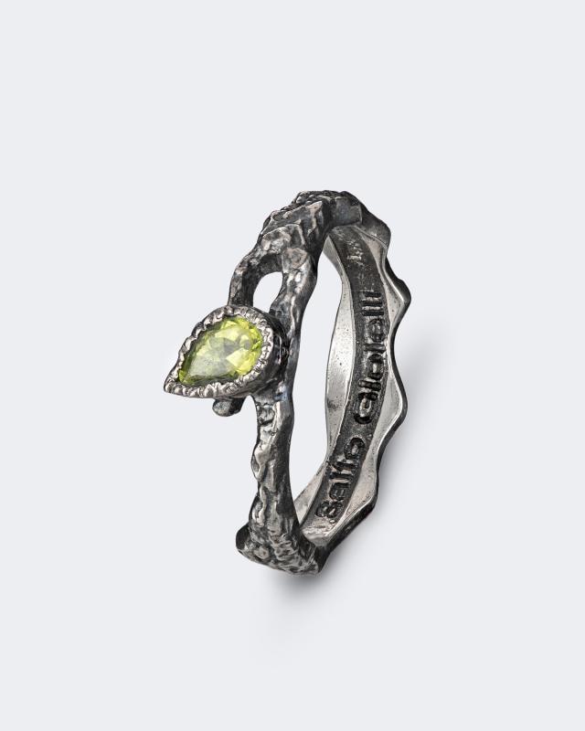 Серебряное кольцо с хризолитом Salto Gioielli Антик lav z серебряное кольцо ruby из коллекции antique