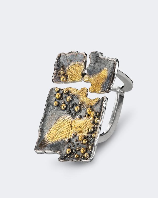 Серебряное кольцо биколор из коллекции «Метаморфозы» Salto Gioielli Метаморфозы lav z серебряное кольцо ruby из коллекции antique